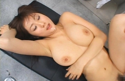 Yuma Asami Asian doll likes getting her hairy pussy licked